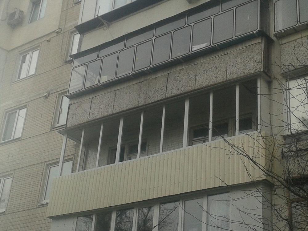 Балкон Алмпласт Киев.Остеклить балкон Киев не дорого