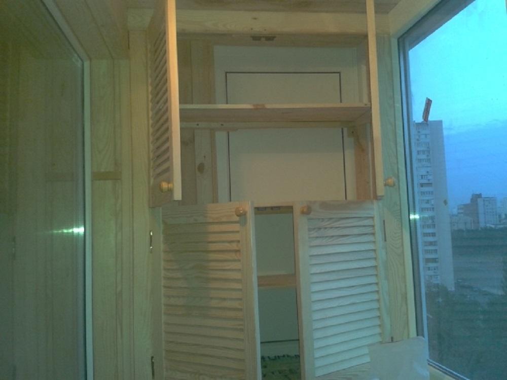 Остеклить балкон не дорого в Киеве шкафчик